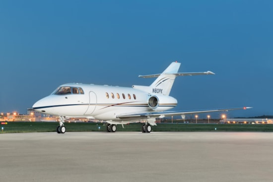 Private jet for sale charter: 1999 Hawker 800XP midsize jet