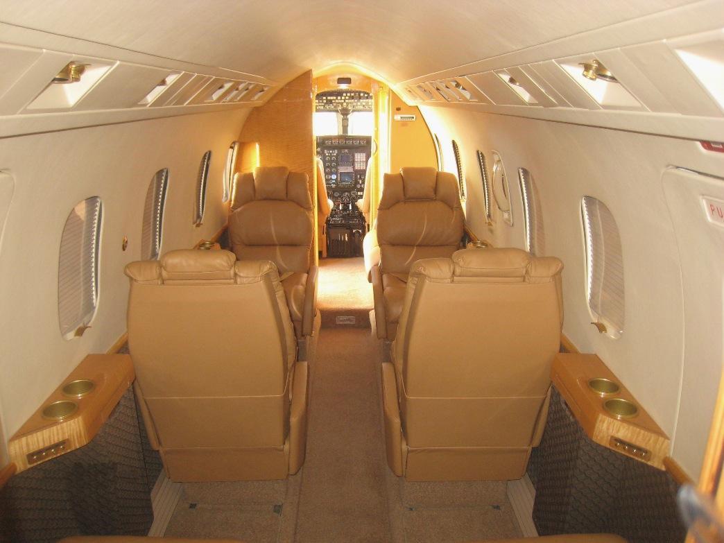 Astra 1125 interior