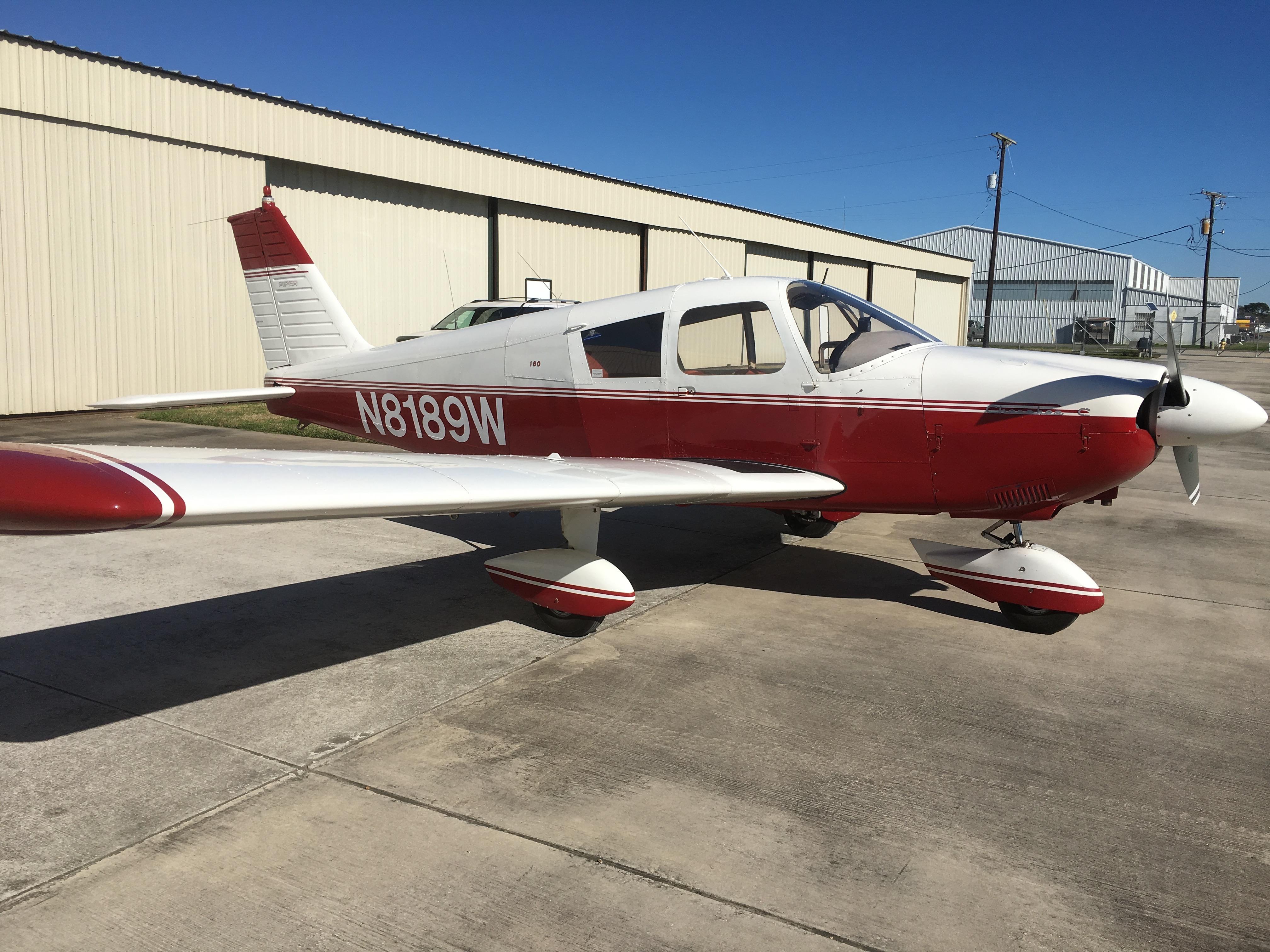 Cherokee PA-28-180C exterior