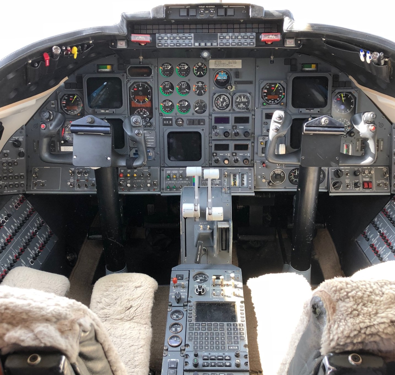 Learjet 31A panel