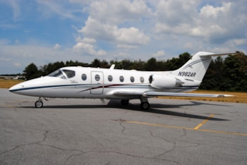 https://resources.globalair.com/aircraftforsale/images/ads/original/98_beechjet400a_snrk206_e1.jpg