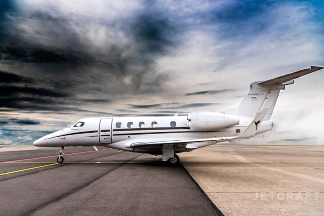 Phenom 300 Specifications, Cabin Dimensions, Speed - Embraer