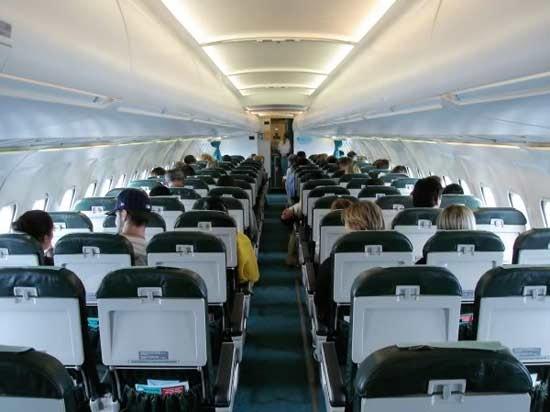 kabin pesawat rj85