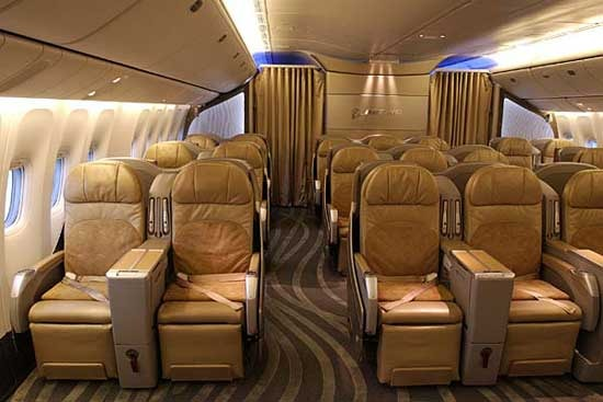 Boeing 777 Specifications, Cabin Dimensions, Speed - Boeing