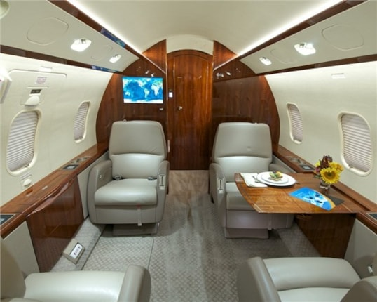 Challenger 300 specifications cabin dimensions speed - Interior decorator cost per hour ...