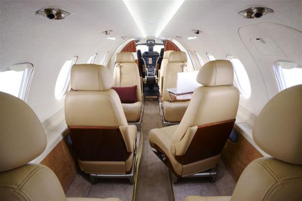 ... Embraer Phenom 300   Interior ...