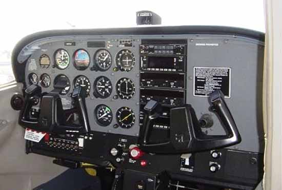 Cessna 172P - panel