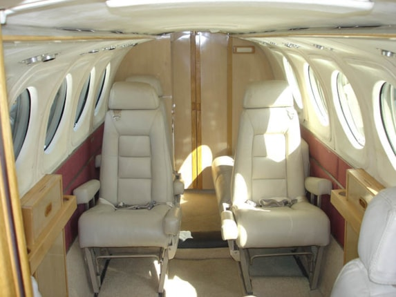 King Air 200 Specifications Cabin Dimensions Speed Beechcraft